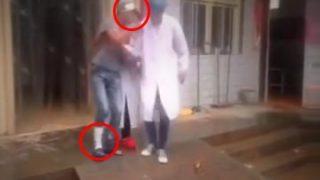 負傷者を運ぼうとして更に負傷させてしまう医者www